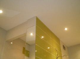 натяжные потолки для ванной комнаты фото