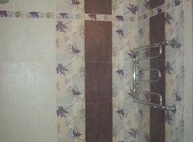 дешевая плитка в ванную комнату