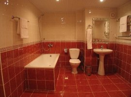 ванная красная с белым фото