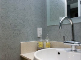Штукатурка в интерьере ванной комнаты