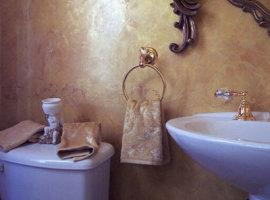 декоративная-штукатурка-в-интерьере-ванной