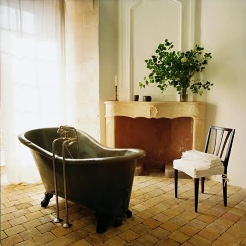 Современные ванны на необычных ножках