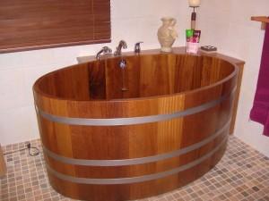 Бочка деревянная ванна