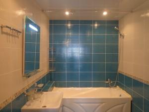 Отделка стен ванной комнаты плиткой
