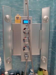 Гидромассажная панель для ванной