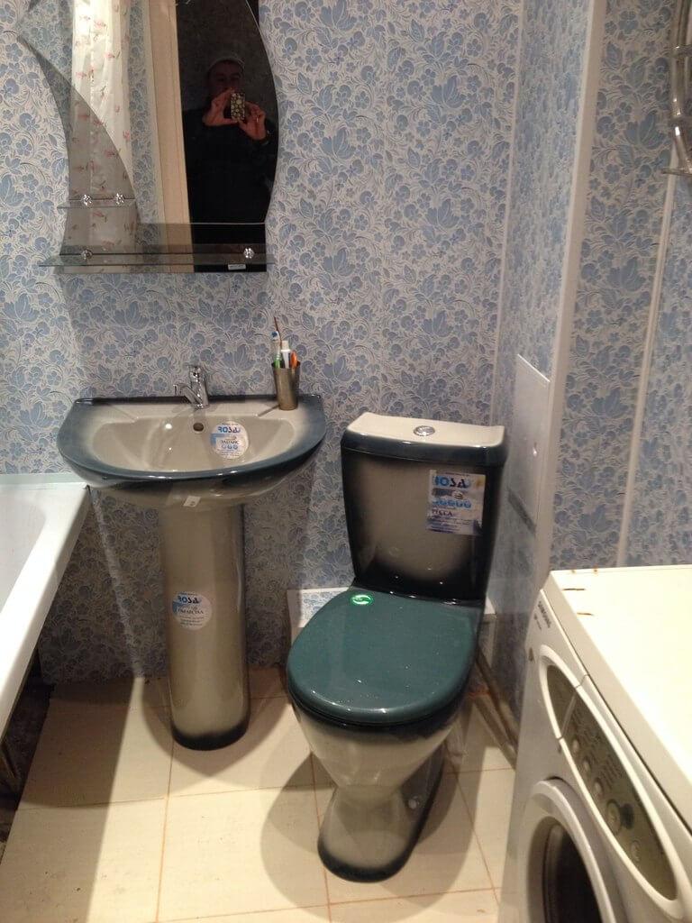 Потолок в ванной комнате из пластиковых панелей 60